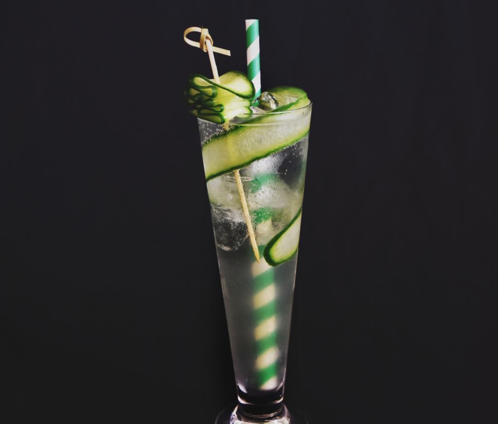 How to make a Cucumber Collins - Cucumber Collins Cocktail Recipe - How to make Cucumber Collins - Cucumber Collins Cocktail Recipe