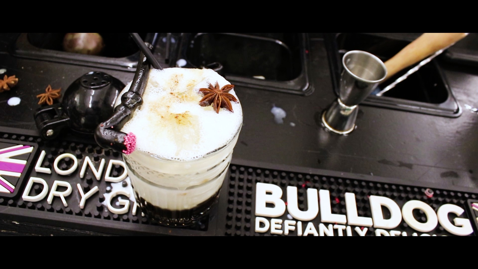 Licorice White Russian recipe - How to make a White Russian recipe