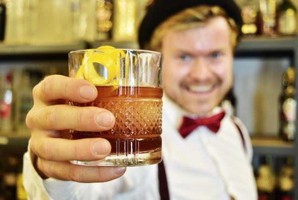 How to make a Rum Old Fashioned - How to make Old Fashioned with Rum - Rum Old Fashioned recipe